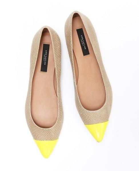 Yellow ballerinas