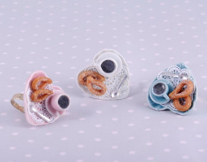 Breakfast rings / Chocolate con churros en anillo