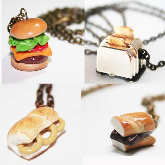 Sandwich necklaces / Collares con forma de bocadillo