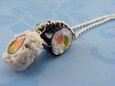 Sushi necklace / Collar con forma de sushi