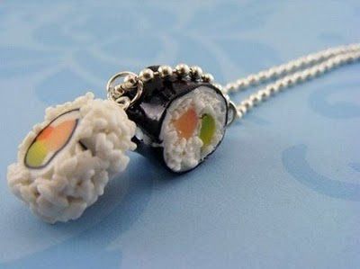 Sushi necklace / Collar con forma de sushi