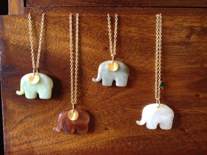 Collares con Elefantes
