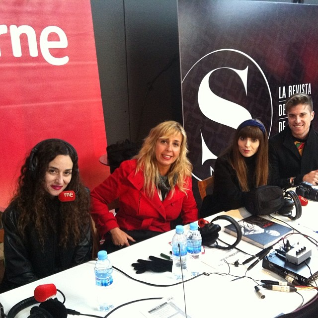 Talking in the radio for RNE at 080 Barcelona Fashion AW14