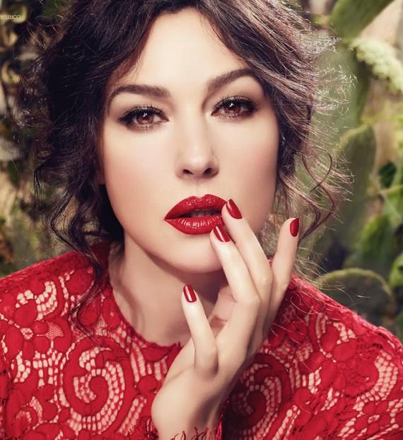 xMonica-Belucci-by-Domenico-Dolce-for-Dolce-Gabbana-Makeup-SS-2014-570x622.jpg.pagespeed.ic.0XyRzpqBJ2