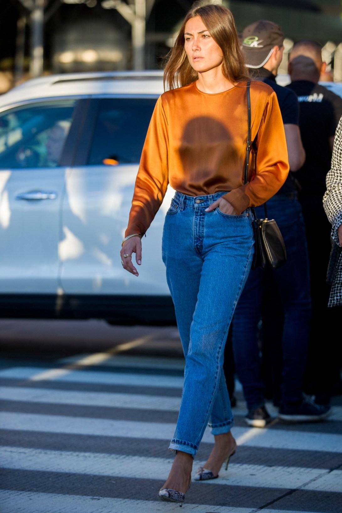 Vogue_Stiff_Denim_Trend_Street_Style_1_Vogue_25Jan16_Jason_Lloyd_Evans_b_hr